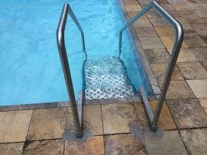 escadas-para-piscina-1