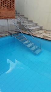 escadas-para-piscina-2